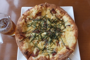 My Favorite Japanese Style of Pizza at Texas Hands